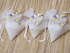 DIY Lavender and Chamomile Epsom Salt Favors | The Evermine Blog | www.evermine.com