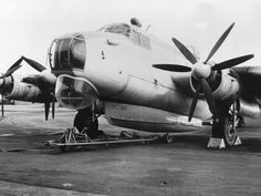 Avro Shackleton with Saunders-Roe airborne lifeboat.