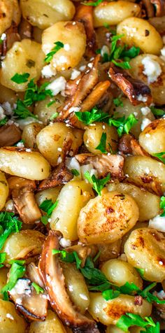 These delightful Potato Gnocchi with Mushrooms and Feta are so easy to make, so filling and so tasty. This vegetarian dish is worth trying! Vegetable Recipes, Beef Recipes, Cooking Recipes, Healthy Recipes, Ark Recipes, Hamburger Recipes, Flour Recipes, Turkey Recipes, Pasta Recipes