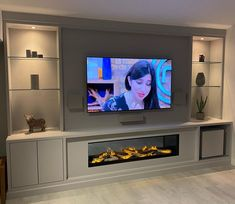 Built In Shelves Living Room, Feature Wall Living Room, Living Room Wall Units, Living Room Tv Unit Designs, Home Living Room, Living Room Ideas With Tv, Tv Wall Unit Designs, Alcove Ideas Living Room, Tv Feature Wall