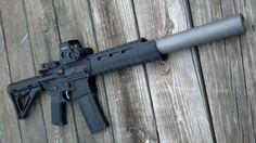 "hecklerandcock: "" blackbeard-main: "" Really diggin the MagPul MOE SL handguard "" Ooh.. """