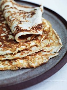 Delicious pancakes without flour [in Danish] Crepes And Waffles, Tasty Pancakes, Fodmap, Vegetarian Recipes, Cooking Recipes, Danish Food, Lchf, Food Crush, Happy Foods