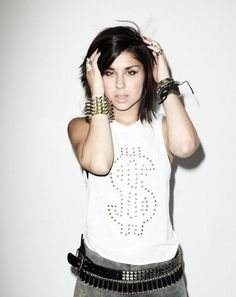 There's something extreeeemely sexy about this chick from Krewella. Burnettes aren't my type but she the perfect exception. Get in my bed, please?! :)