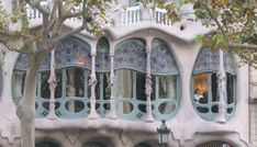Modernism architecture in Barcelona, mila, pedrera, gaudi Places To See, Places Ive Been, Barcelona City, Barcelona Spain, Life List, Eurotrip, Gaudi, Modern Architecture, Beautiful Places