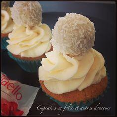 Aujourd'hui, je vous présente une petite une recette de cupcakes originale que j'ai réalisé il y a quelques temps avec une pâte à tartiner à la noix de coco que j'ai trouvé dans le commerce. N'hésitez pas à me donner votre avis ! Ingrédients: - 90g de...