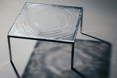 La mesa hecha de agua1