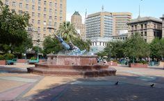 San-Jacinto-plaza