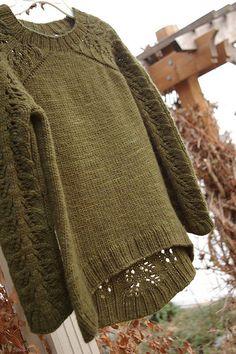 Ravelry: larisa's Bloomsbury on Ravelry Cable Knitting Patterns, Knitting Designs, Bloomsbury, Lana, Ravelry, Knit Crochet, Men Sweater, Pullover, Inspiration