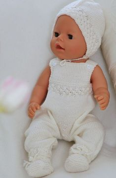Baby born knitting patterns knitted in the softest lovely baby wool Baby Knitting Patterns, Free Baby Patterns, Knitted Doll Patterns, Knitted Dolls, Knitting Dolls Clothes, Doll Clothes Patterns, Baby Born Kleidung, Baby Born Clothes, Baby Pop