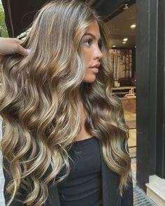 Long Wavy Hair, Long Hair Cuts, Women Haircuts Long, Honey Hair, Brown Blonde Hair, Hair Color Highlights, Bad Hair, Balayage Hair, Hair Looks