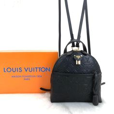 Louis Vuitton Moon Backpack genuine leatherSymmetrical cut, with imported accessoriesSize: cm Wallet Chain, Long Wallet, Trendy Backpacks, Cruise Collection, Monogram Canvas, Wallets For Women, Leather Backpack, Fashion Backpack, Nicolas Ghesquière