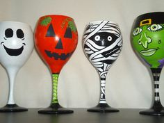 Halloween Character Wine Glass Set READY by Itsacharlestonthing … Wine Glass Crafts, Wine Glass Set, Wine Bottle Crafts, Dulceros Halloween, Halloween Labels, Halloween Designs, Halloween Costumes, Wine Bottle Glasses, Wine Bottles