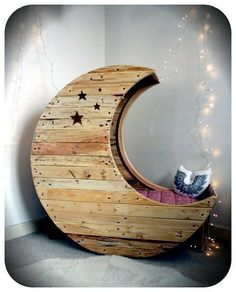 Moon bassinet. Love it!