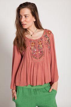 #bluzaocru #oglinda #bluzacasual #oversize Long Sleeve, Casual, Sleeves, Clothing, Tops, Women, Fashion, Outfit, Moda