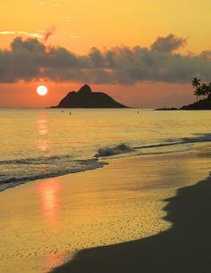 """""""Sunrise Kailua"""" ~ Photo by Mario Lichacz on - Sunrise at Kailua, Oahu, Hawaii Amazing Sunsets, Beautiful Sunset, Beautiful Beaches, Beautiful World, Kailua Oahu, Kailua Beach, Oahu Hawaii, Belleza Natural, Hawaii Travel"""