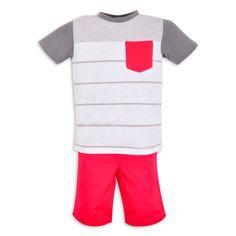 Franela EPK para niño blanca con rayas grises, mangas grises y bolsillo de color frambuesa.