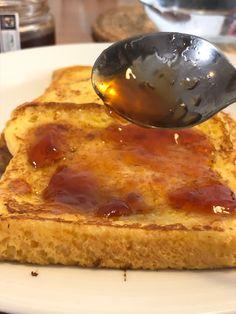 Un desayuno rápido y sencillo con un resultado super rico Tostadas, French Toast, Breakfast, Ethnic Recipes, Food, Apple Jelly, Raspberry, Simple, Essen
