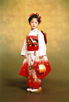 Kimono/着物 七五三 Traditional Japanese Kimono, Traditional Fashion, Traditional Outfits, Japanese Kids, Japanese Geisha, Kabuki Costume, Japanese Outfits, Japanese Clothing, Japanese Costume