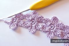 Crochet Flower Stitch + Diagram + Free Pattern Step By Step Crochet Cord, Crochet Daisy, Crochet Butterfly, Crochet Needles, Crochet Flower Patterns, Crochet Bracelet, Crochet Stitches Patterns, Thread Crochet, Stitch Patterns