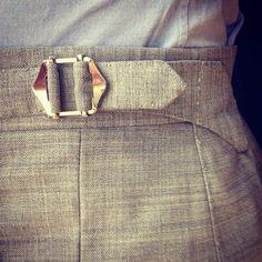 pantalon taille haute - ceinture - finition qui donne l'impression du cousu main whitenoten: