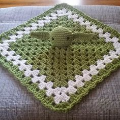 For my favourite Star Wars geek parents... Yoda Inspired Lovey. Free pattern.