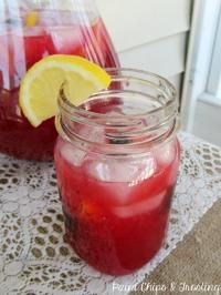 Fresh-Squeezed Blackberry Lemonade - yum!