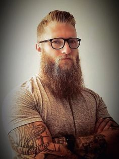 Tapered Beard, Beard Tips, Mustache Men, Haircuts, Hairstyles, Scruffy Men, Beard Look, Perfect Beard, Beard Styles For Men