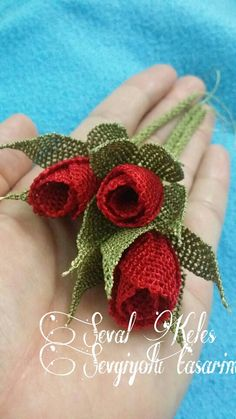 This post was discovered by omruye ozdemir. Discover (and save!) your own Posts on Unirazi. Diy Flowers, Fabric Flowers, Paper Flowers, Crochet Unique, Burlap Projects, Beaded Crafts, Needle Lace, All Craft, How To Make Beads