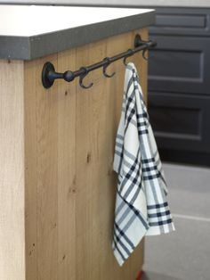 Dauby - Pure Plus: Round towel holder with closed hooks aged iron, also available in white bronze ** www.dauby.be **
