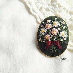 ハンドメイドマーケット+minne(ミンネ) +Bouquet+de+cosmos+刺繍ブローチ(バチカン付)