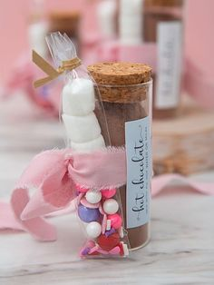Wedding, baby, and holiday DIY hot chocolate favors! Hot Chocolate Favors, Hot Chocolate Mix, Chocolate Lovers, Unique Wedding Favors, Unique Weddings, Diy Wedding, Fancy Sprinkles, Chocolate Powder, Mini Marshmallows