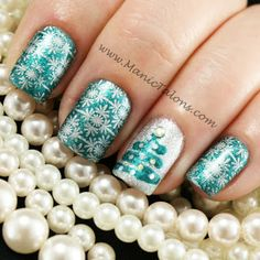 357 Holly Jolly Christmas Nail Art Designs You're Gonna Love! Christmas Nail Art Designs, Holiday Nail Art, Winter Nail Designs, Special Nails, Christmas Manicure, Seasonal Nails, Nail Art Blog, Creative Nail Designs, Stamping Nail Art