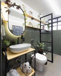 Look what an amazing transformation has done in this bathroom. Bathroom Renos, Bathroom Layout, Bathroom Interior, Small Bathroom, Lavabo Diy, Estilo Interior, Shower Remodel, Diy Bedroom Decor, Home Decor