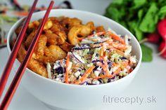 Ázijský kurací šalát | fitrecepty.sk Kung Pao Chicken, Tofu, Cottage Cheese, Cooking Recipes, Chinese, Tasty, Treats, Breakfast, Healthy