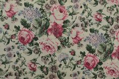 Vintage Floral Fabric Cotton Floral Fabric by #TheFabricScore www.thefabricscore.etsy.com #vintagefabric #fabric #sewing #shabbychic