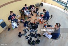 464041436-detroit-tigers-clubhouse-workers-clean-gettyimages.jpg (594×401)