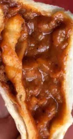 Taco Bell Chili Cheese Burrito (The Chilito). Taco Bell Chili Cheese Burrito Recipe, Taco Bell Enchirito Recipe, Bean And Cheese Burrito, Taco Bell Recipes, Recipes With Enchilada Sauce, Raw Food Recipes, Mexican Food Recipes, Taco Bueno Chili Sauce Recipe, Cooking Recipes