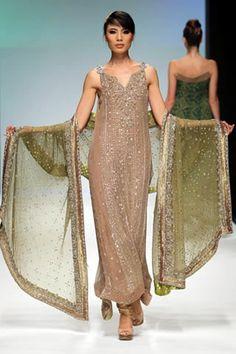 Sobia Nazir - Dubai Fashion Week 2010