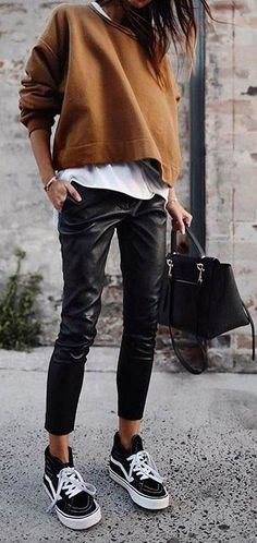 work handbag tote / street style fashion  #streetstyle #fashionweek #fashion #womensfashion #streetstyle #ootd #style /Pinterest: From Luxe With Love