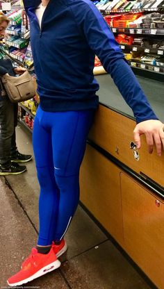 Mens Running Tights, Mens Tights, Men In Tight Pants, Mens Compression Pants, Gym Outfit Men, Lycra Men, Sport Pants, Super Skinny Jeans, Sport Outfits