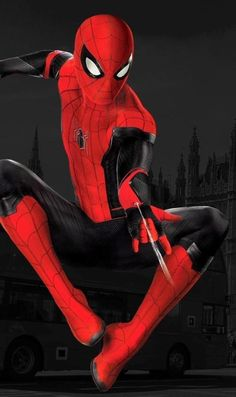 Far from Home Marvel Comics, Marvel Avengers, Marvel Comic Universe, Marvel Art, Marvel Heroes, Mafex Spiderman, Spiderman Pictures, Amazing Spiderman, Best Marvel Characters