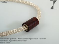 Collier Silber gestrickt -  Anhänger Schlangenholz um Silberrohr-Länge 42 cm  Verschluss: Bajonettverschluss Silber  http://www.atelier-zellhuber.de/index.php/schmuck.html        #handgefertigt #Silber #gestrickt  #Schlangenholz