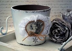 Nádoby - Shabby chic črepník na vianočnú ružu - 3368866