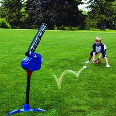 Franklin Sports MLB Super Star Batter & Fielder Multi Function 4 in 1 Pitching Machine Baseball Pitching, Baseball Training, Baseball Field, Baseball Caps, Batting Tee, Famous Sports, Baseball Equipment, 4 In 1, Outdoor Toys
