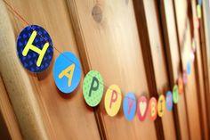 """Girlande mit dem Text """"Happy Birthday und Name des Kindes""""    Eine schöne Dekoration ist diese Girlande für die Geburtstagsparty ihres Kindes, Patenki"""