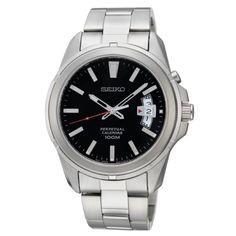 En klassisk klokke som passer de fleste stiler - Seiko Perpetual - Gullfunn Seiko Mod, Perpetual Calendar, Watch Faces, Brass Metal, Casio Watch, Michael Kors Watch, High Fashion, Watches, Classic