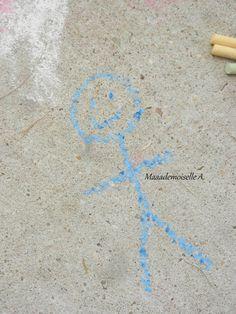 Activité : Dessiner sur le sol avec des craies