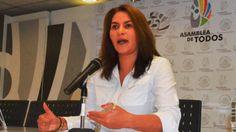Αυτά είναι! Βουλευτής «διδάσκει» πως να βάλεις προφυλακτικό με το στόμα! Crazynews.gr