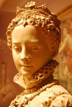 Mary Queen of Scots bust - de Young Museum, San Francisco, photo courtesy of Shirley Caputo (I tired to find out if this was housed in America or was just on loan but haven't found a lot about it. Mary was a Scots though so regardless to where the bust is, she belongs here).