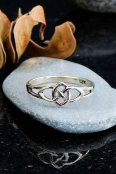 Sterling silver infinity ring celtic ring infinity by Elfscraft